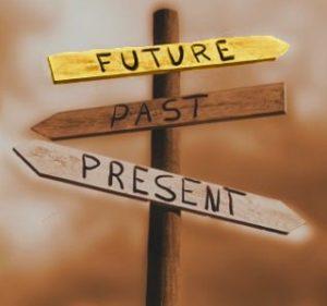 نگه داشتن انرژی اکنون در زمان گذشته، قدرت ساختن آینده تان را خواهد گرفت.